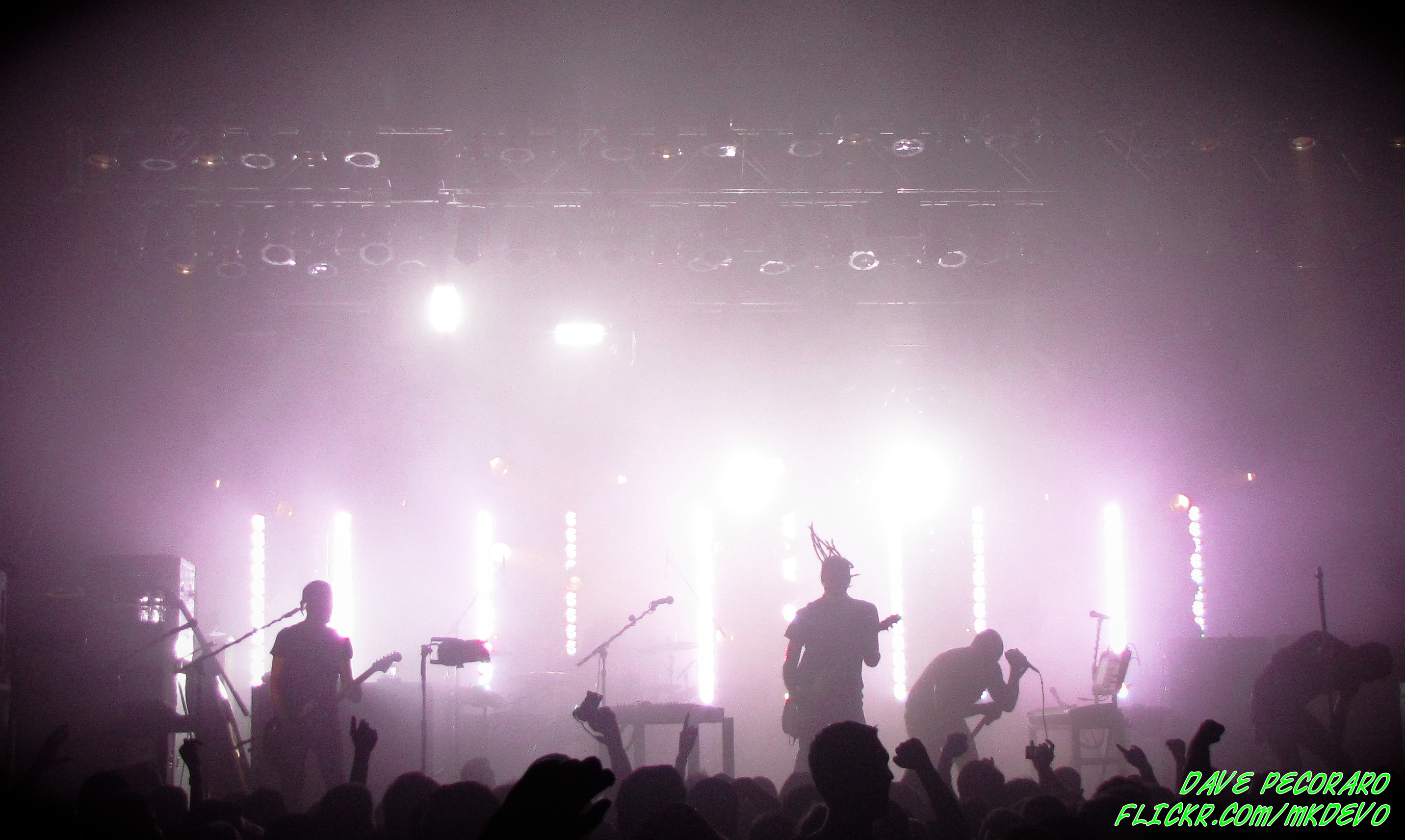 Nine Inch Nails: August 26, 2009 Terminal 5 – Flac and MP3 Downloads ...