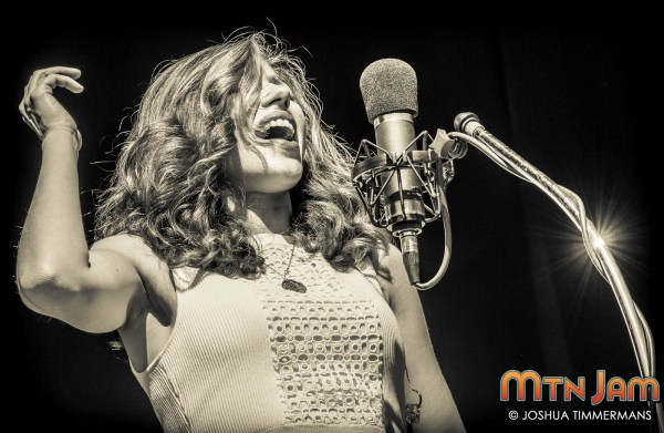 20150607_MountainJam_LakeStreetDive_Performance_Timmermans_0395 - Copy